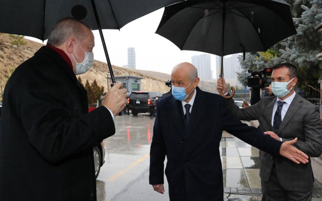 Erdoğan'ın Bahçeli ziyaretinde şemsiyeden fitne ürettiler Yıldıray Çiçek'in yazısı konuşuluyor