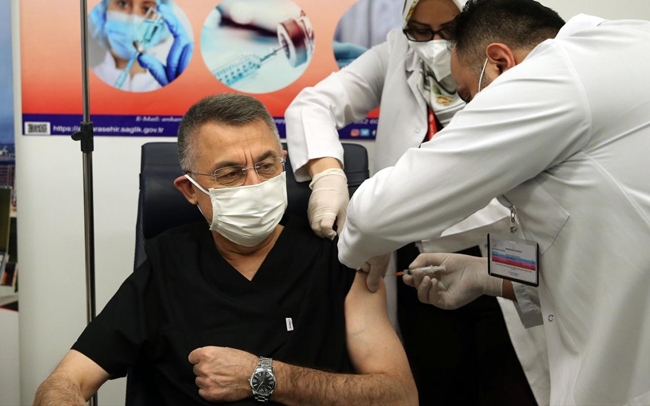 Cumhurbaşkanı Yardımcısı Fuat OktayKovid-19 aşısıyaptırdı