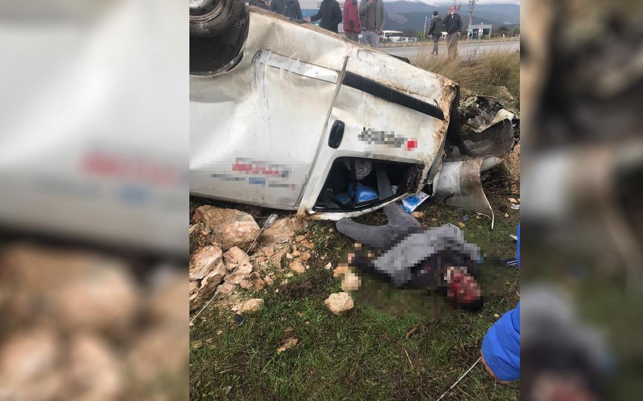 Aydın'da korkunç trafik kazası: Elektrik direğine çarpan araçta 1 kişi öldü 1 kişi yaralandı