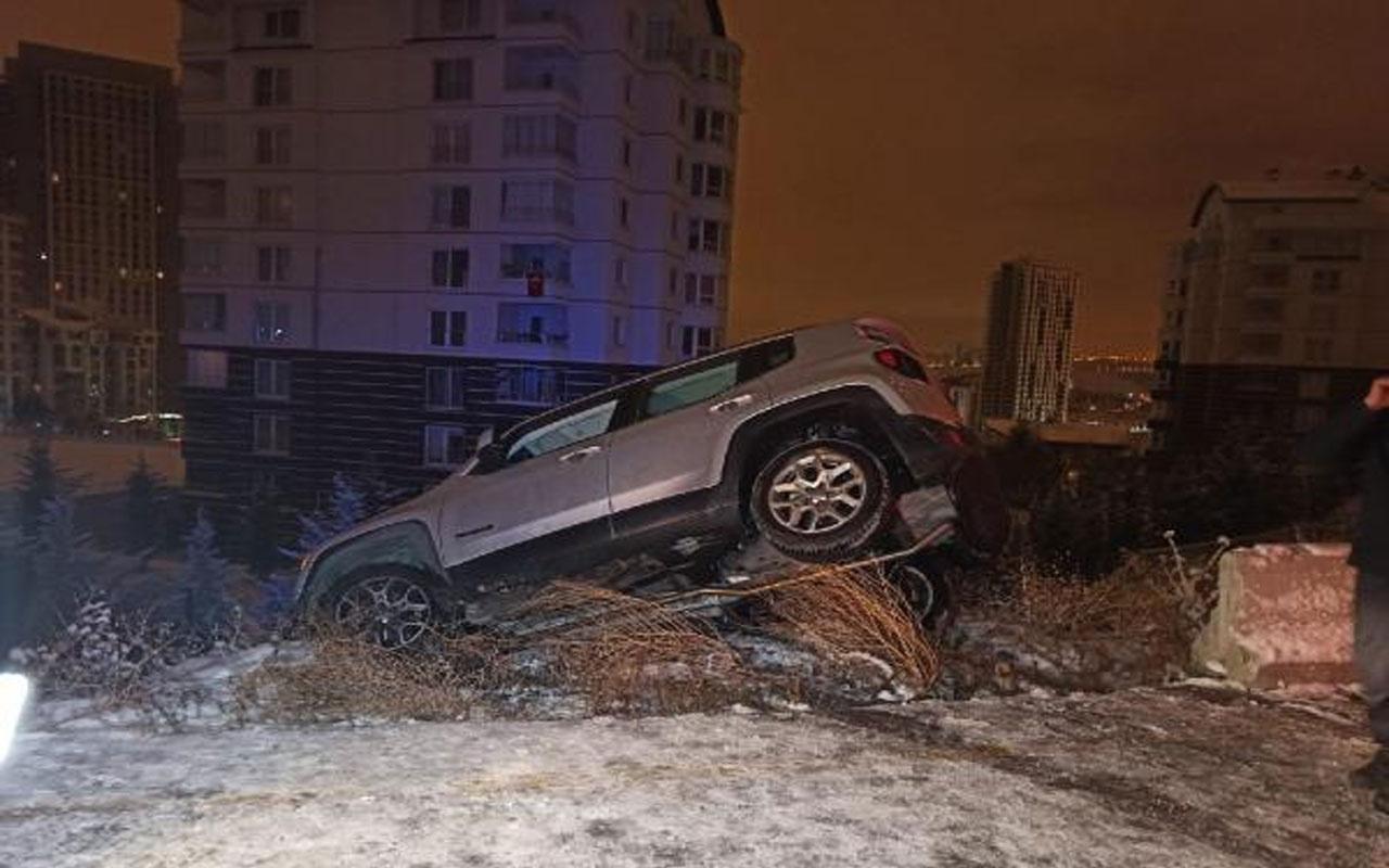 Ankara'da akıllara durgunluk veren kaza! Asılı kalan otomobildeki 2 kadın kurtarıldı