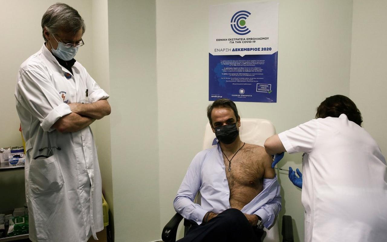 Yunanistan Başbakanı Kiryakos Miçotakis aşının ikinci dozunu yaptırdı