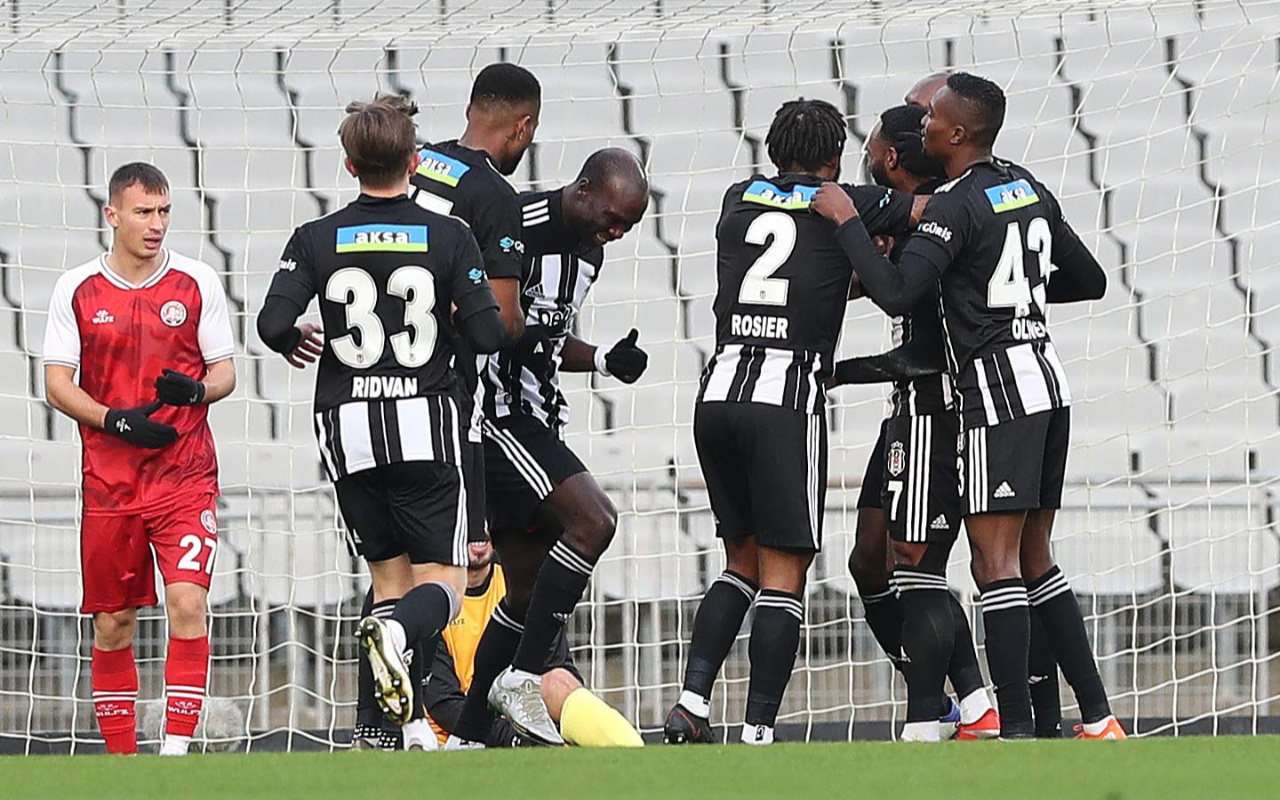 Beşiktaş deplasmanda Fatih Karagümrük'ü rahat geçti