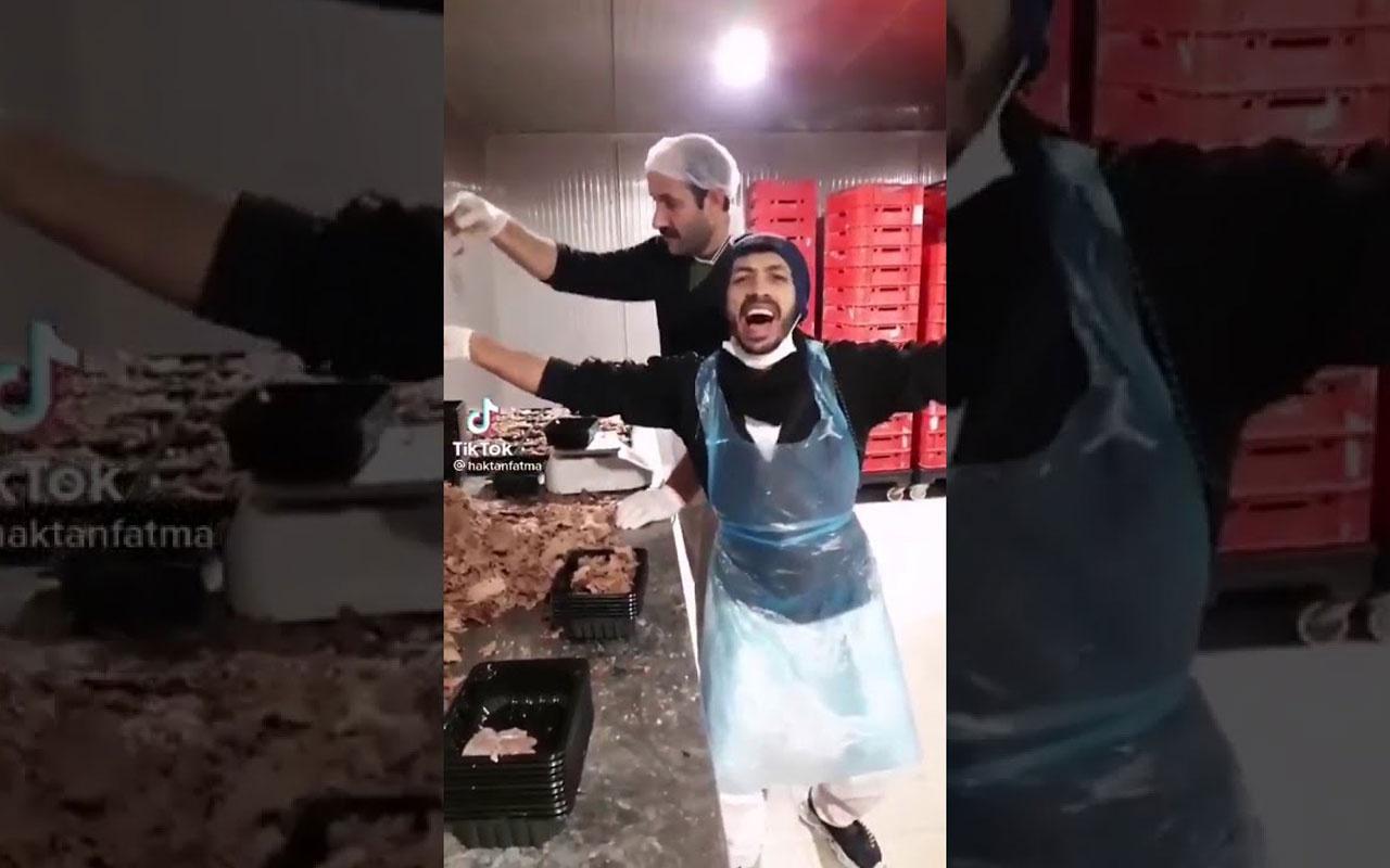 Hazır döner paketleyen iki çalışanın paylaştığı video için bakanlık harekete geçti