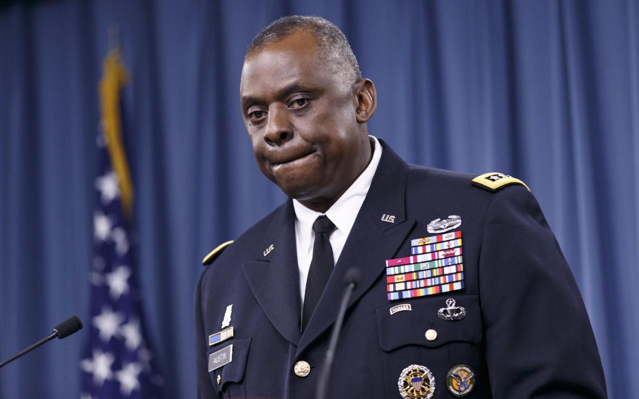 ABD'nin ilk siyahi Savunma Bakanı Lloyd Austin oldu
