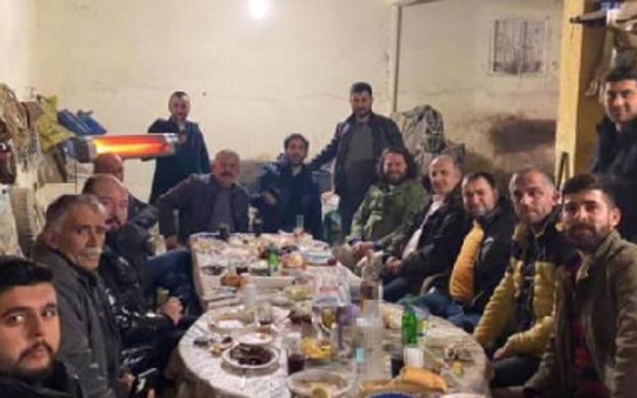 İYİ Partili Başkan Aytekin Kaya, sokağa çıkma kısıtlamasında arkadaşlarıyla alem yaptı