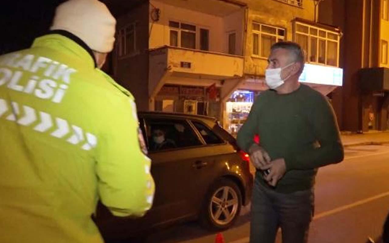 Sakarya'da kısıtlamada yakalanan sürücüden polise: Yaz kardeşim