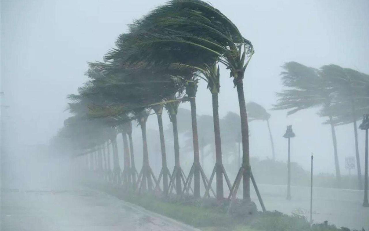 Meteorolojiden hızı 120 kilometreye kadar çıkacak fırtına uyarısı