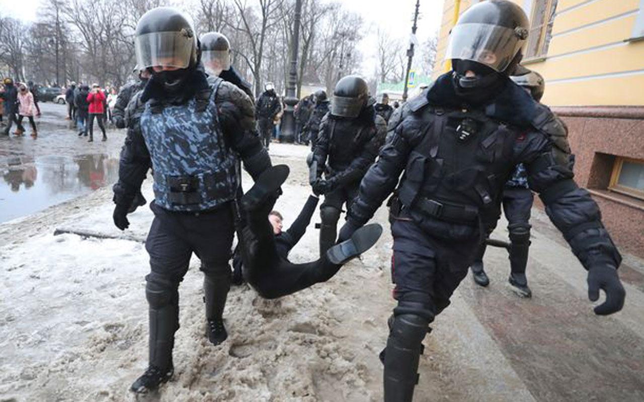 "Biden-Rusya arasında ilk kriz: Moskova'dan Washington'a ""Navalni protestosu"" tepkisi"