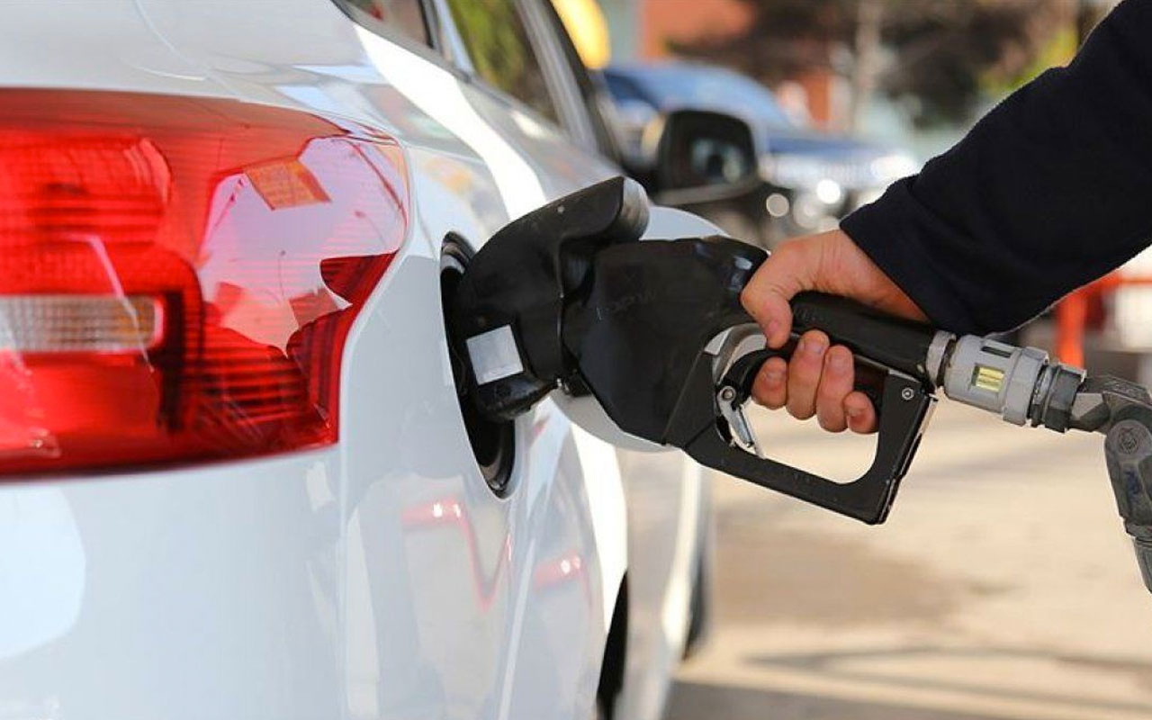Son dakika benzin fiyatlarına zam geliyor! Pompaya yansıyacak mı?