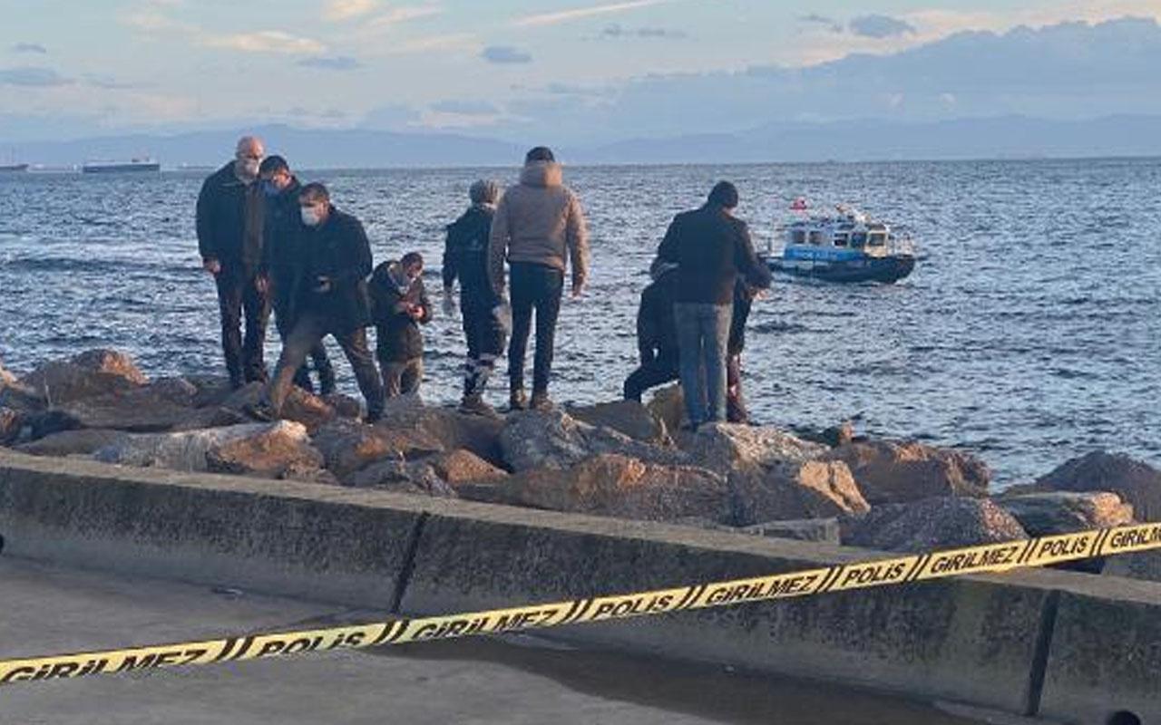 Kartal Sahili'nde kayalıklara sıkışmış halde ceset bulundu