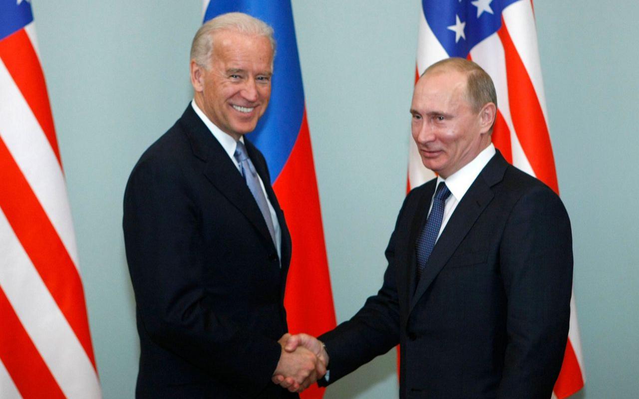 Vladimir Putin'den Joe Biden'a tebrik telefonu