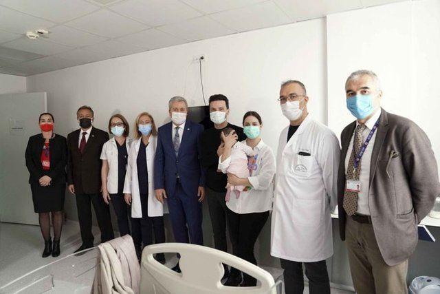 10 ayda 7 ameliyat oldu Sinan Özen bebeğinin müjdeli haberini duyurdu
