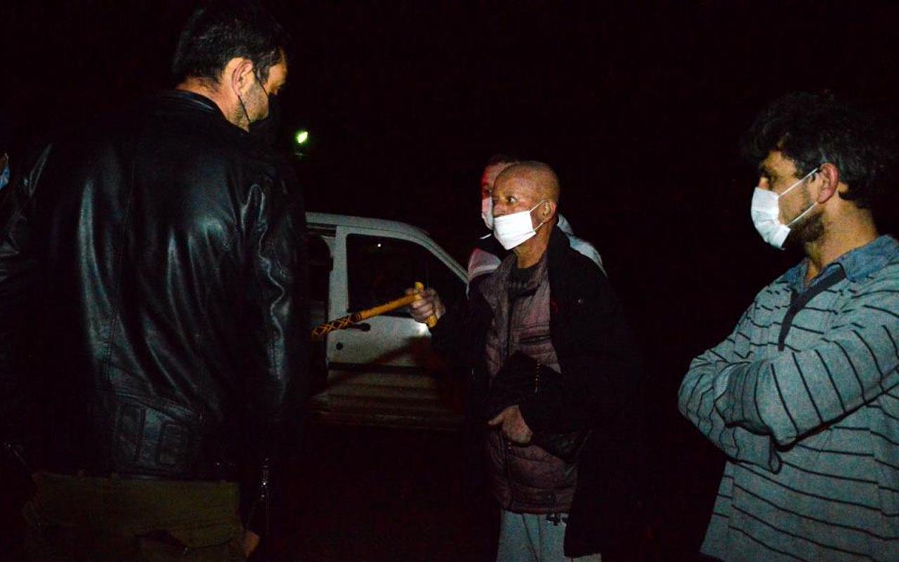 Sakarya'da eşi otomobilde sıkıştı sürücü şoku uzun bir atlatamadı