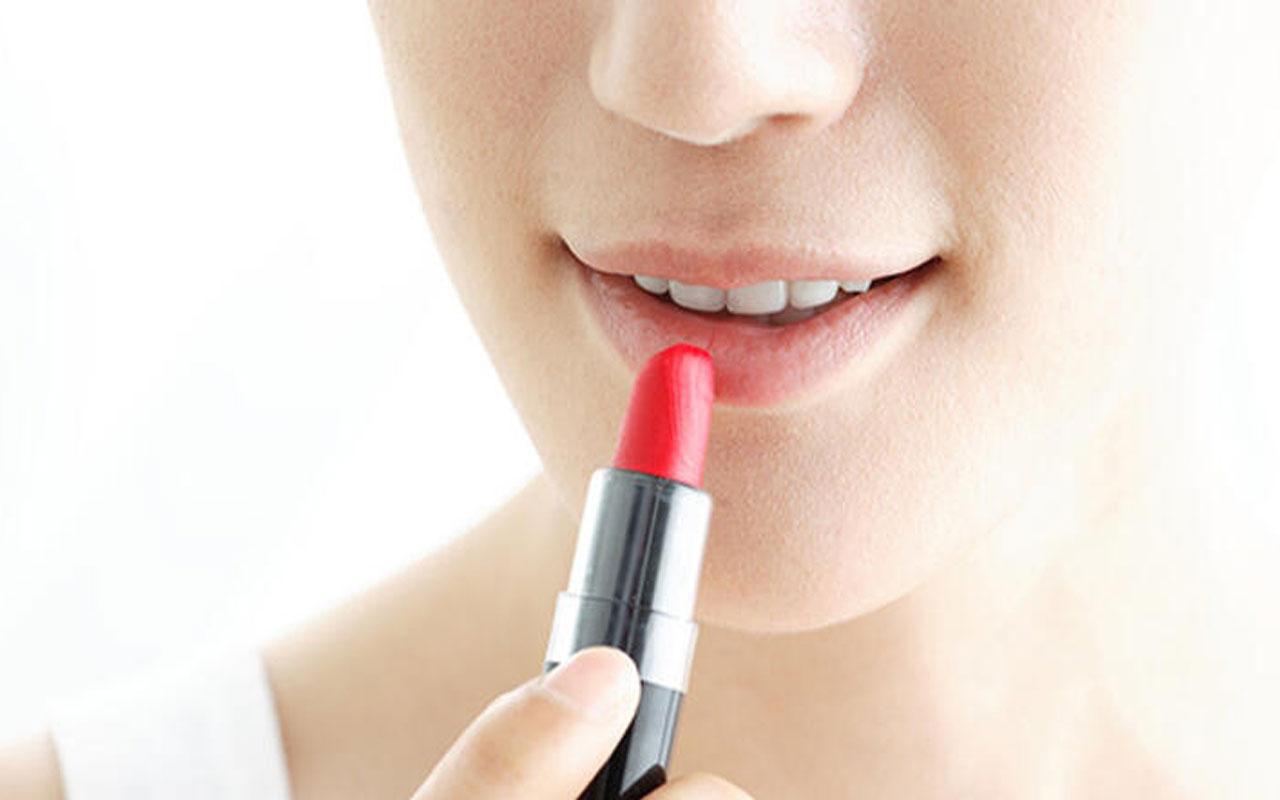 Alman kozmetik şirketi Douglas, Avrupa'daki 500 mağazasını kapatacak