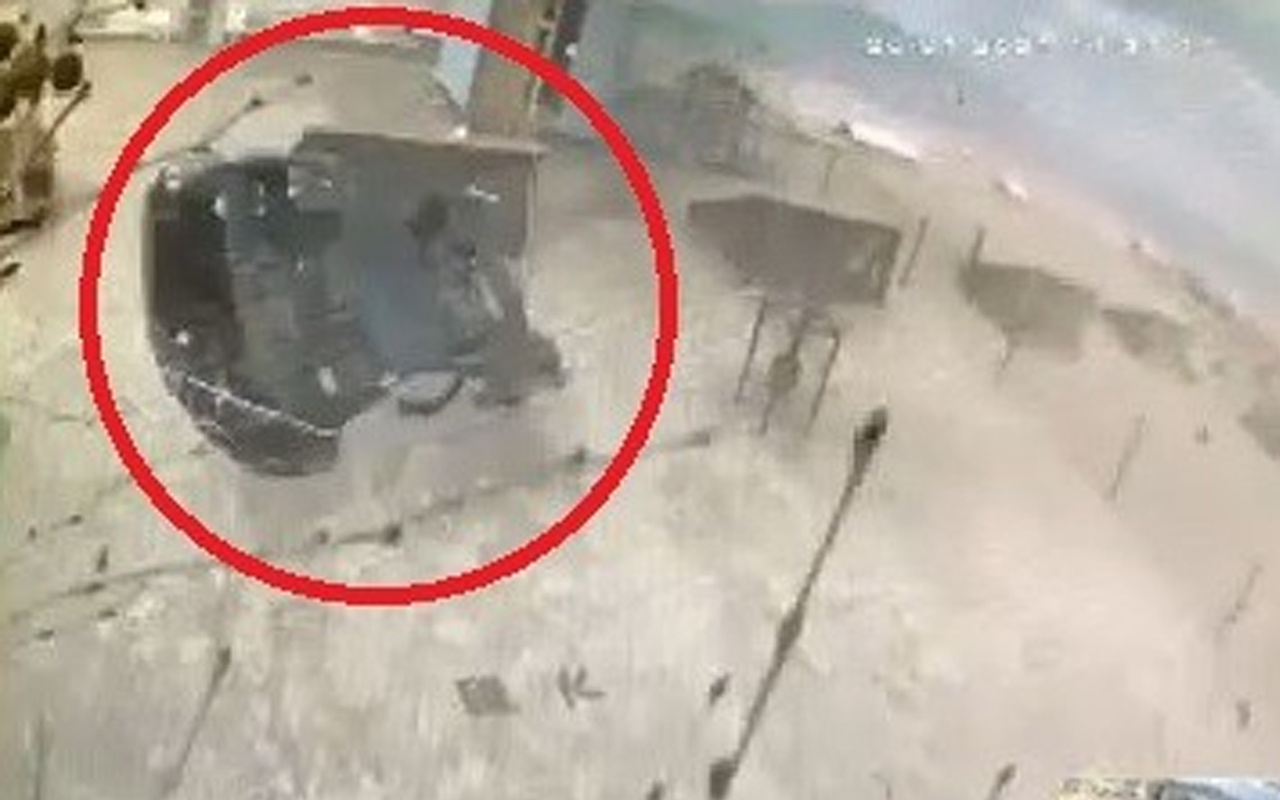 Bursa'da görenleri şok eden görüntü! Hortum aracı havaya uçurdu