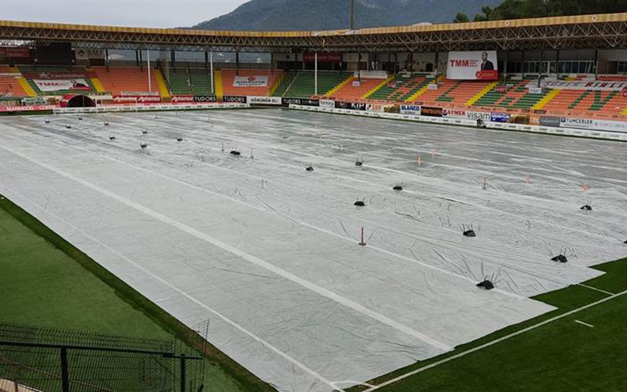 Alanyaspor'un Bahçeşehir Stadyumu'nda kuvvetli yağış önlemi