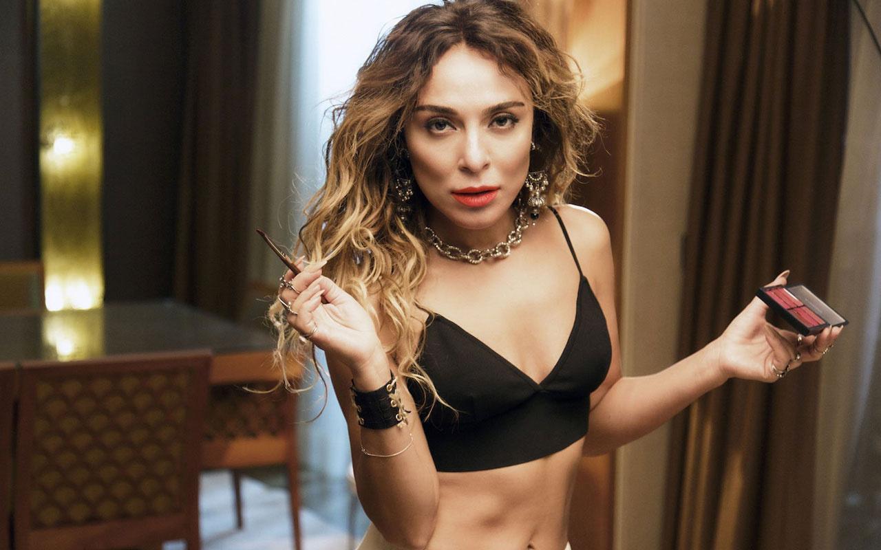 Ziynet Sali ile Jennifer Lopez'i ayırt edemediler olay benzerlik!
