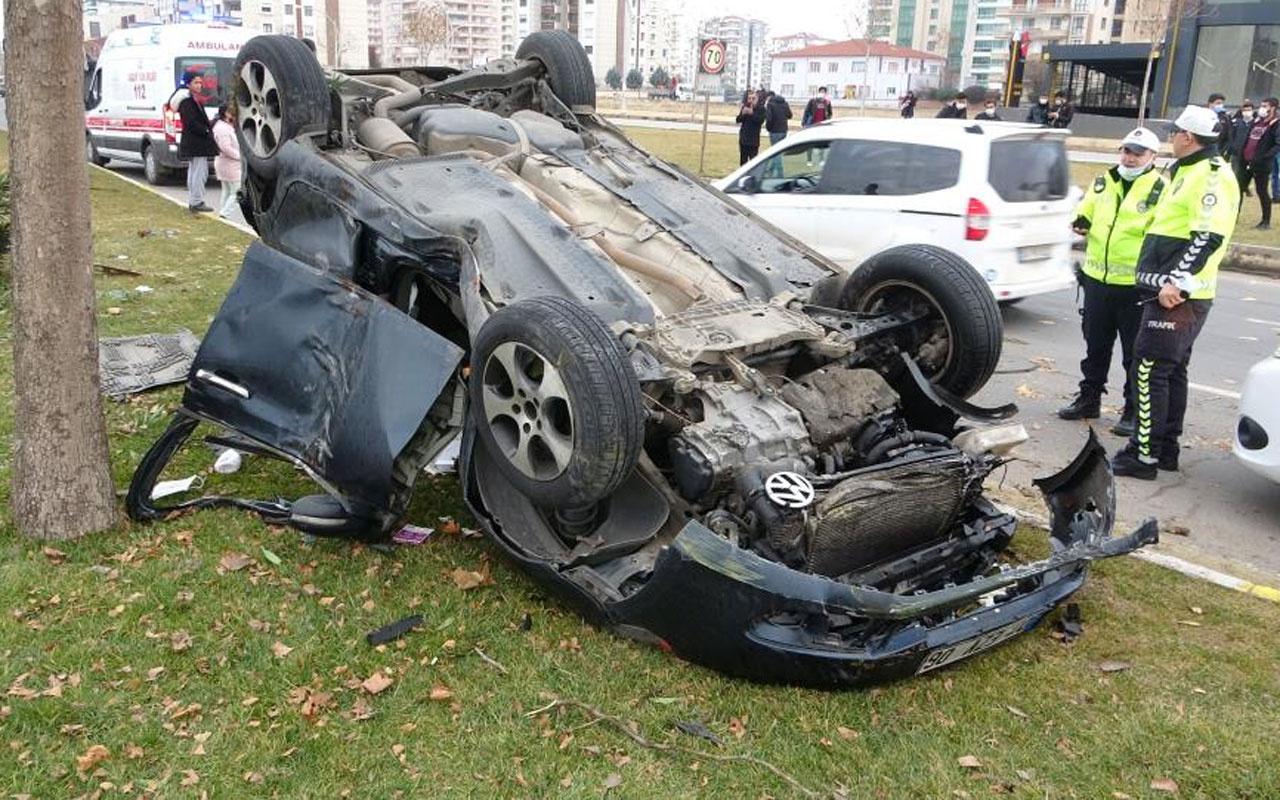 Makas atan sürücü direksiyon hakimiyetini kaybetti: 4 yaralı