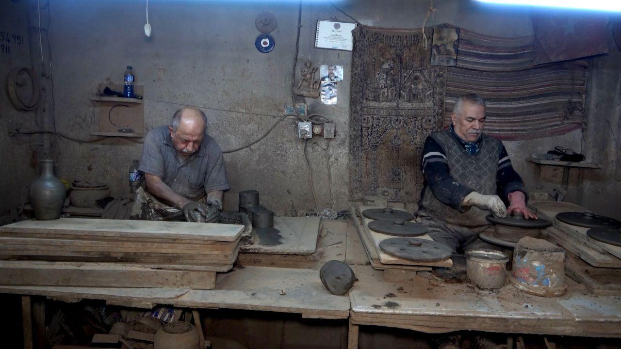 Gaziantep'e özel sipariş verdiler! Manisa'da toprağa gömüp dışkı dökerek 6 ay...