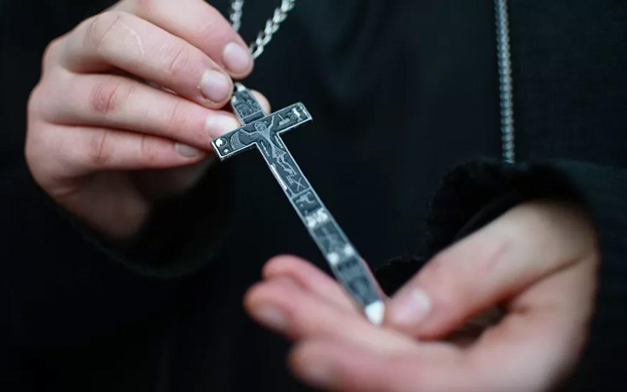 Olayın adresi Almanya! Yetim çocukları zenginlere kiralayan rahibelerle ilgili rapor basına sızdı
