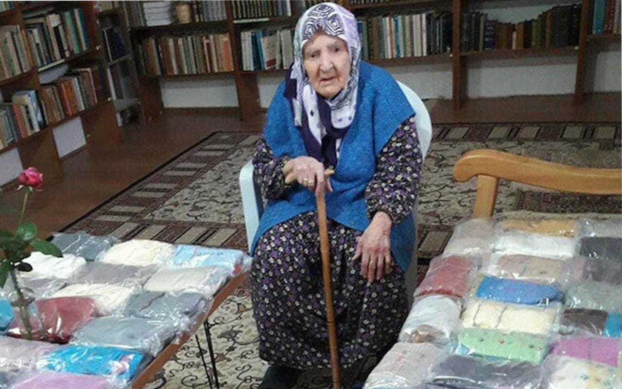 Mehmetçik kendileri için yün çorap ören Zeliha nineye el dokuması seccade gönderdi
