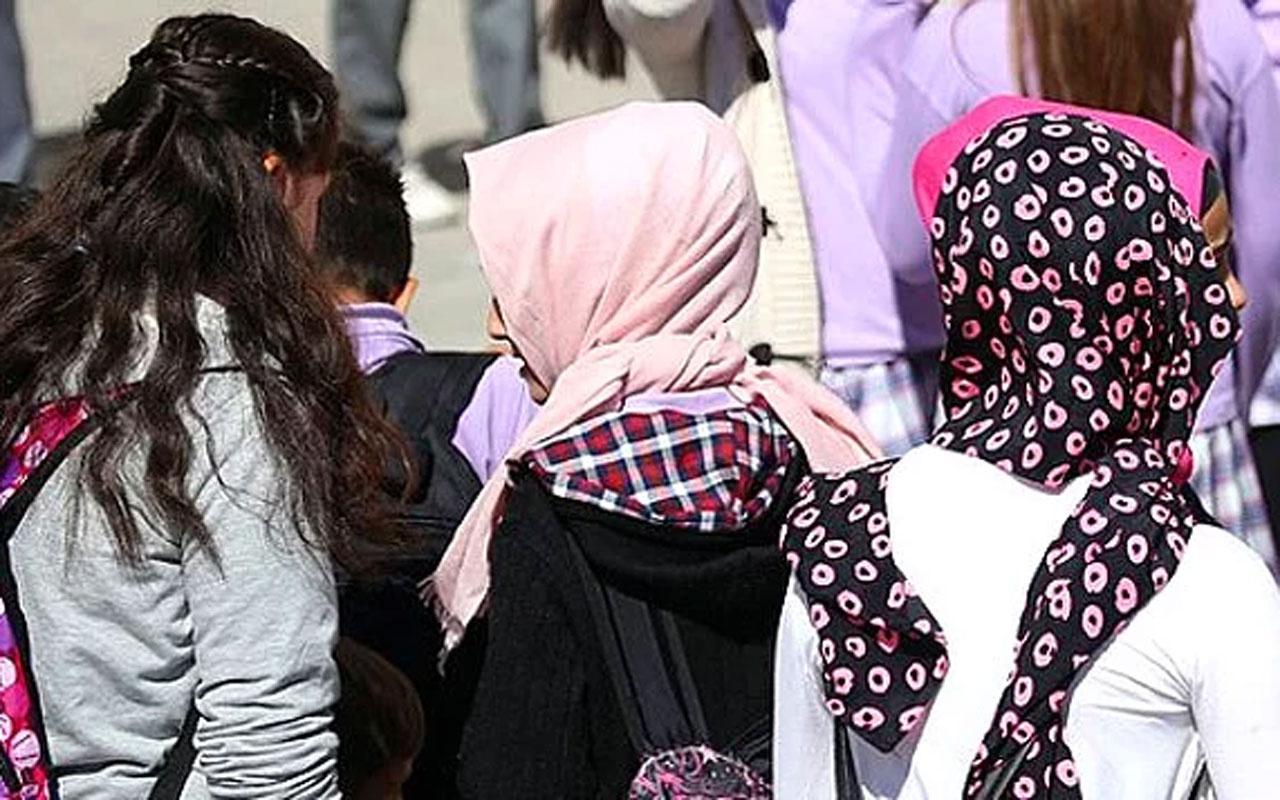 Endonezya, devlet okullarında başörtüsü zorunluluğunu kaldırdı