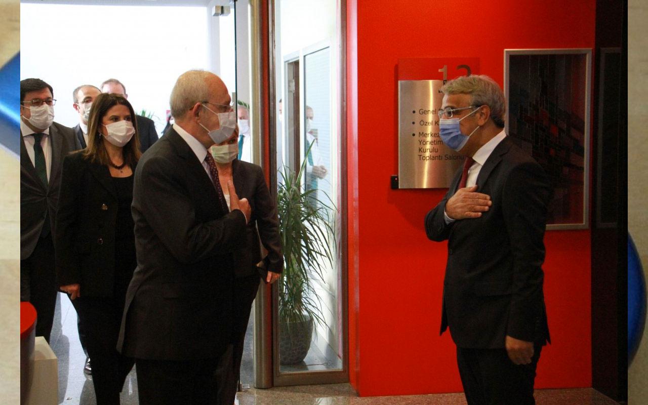 HDP'den CHP'ye ziyaret Kılıçdaroğlu Sancar ve heyetini kapıda karşıladı