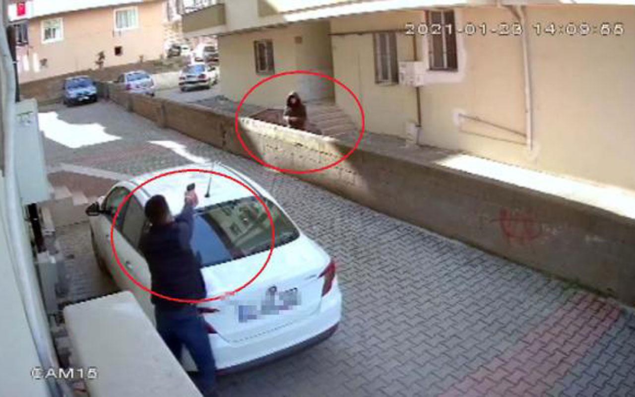 Osmaniye'de site bahçesinde silahlı çatışma! Gören telefona sarıldı