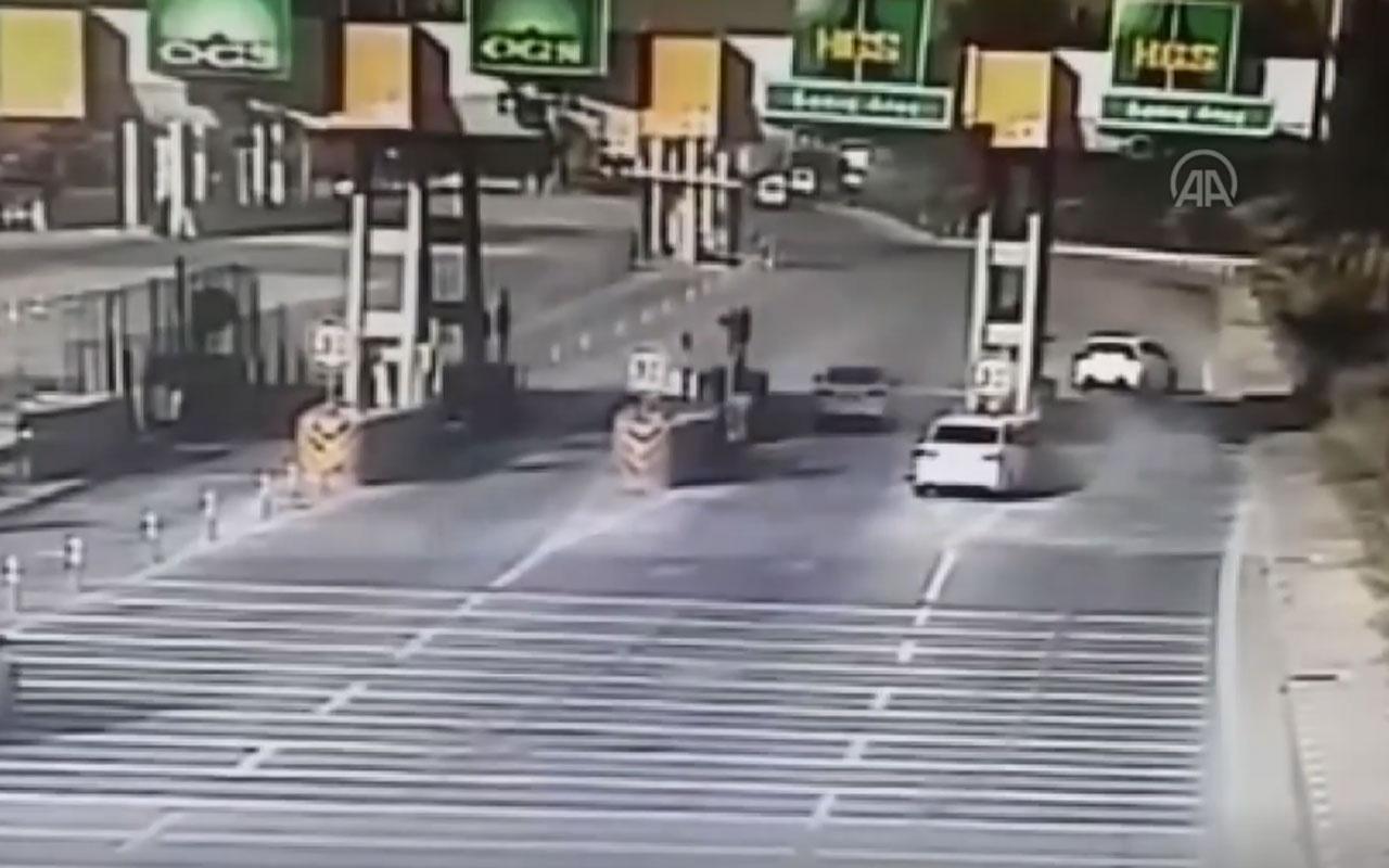 Aydın'da otomobil otoyol gişesine çarptı 2 kişi öldü! Feci anlar kamerada