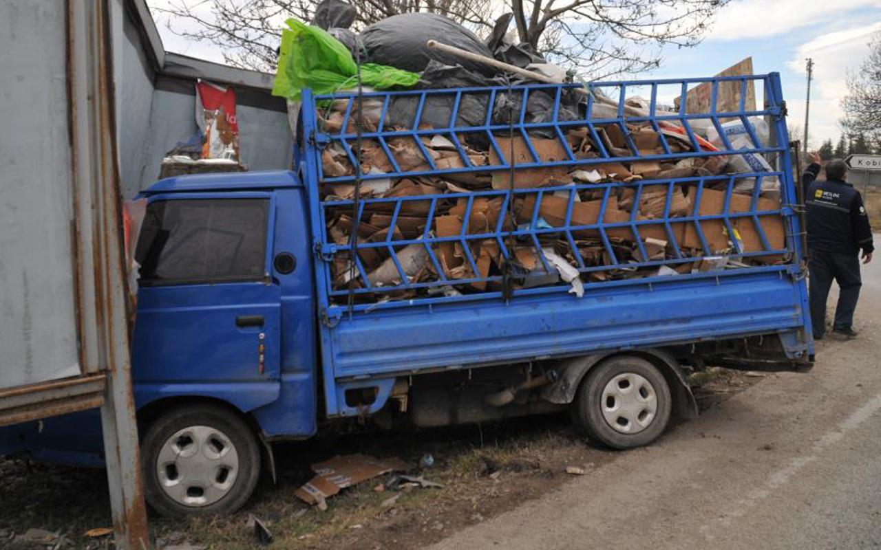 Eskişehir'de feci kaza! Yol trafiğe kapandı uzun araç kuyrukları oluştu