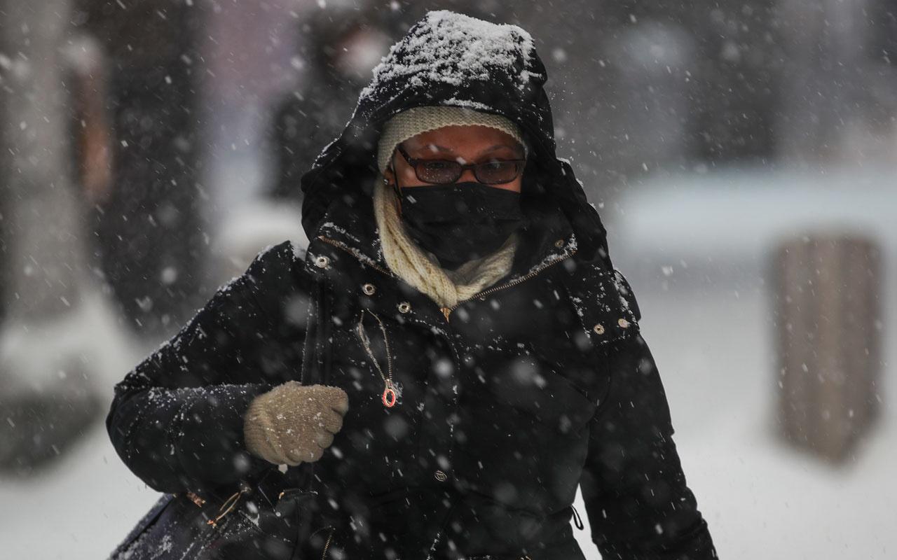 AKOM ilçe ilçe açıkladı! İstanbul'da kar kalınlığı 45 santimetreye kadar çıktı