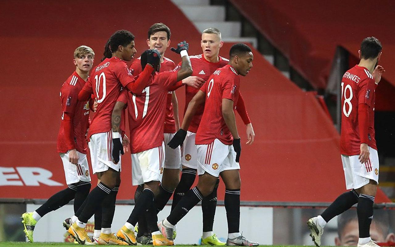 Manchester United rekorla çeyrek finale