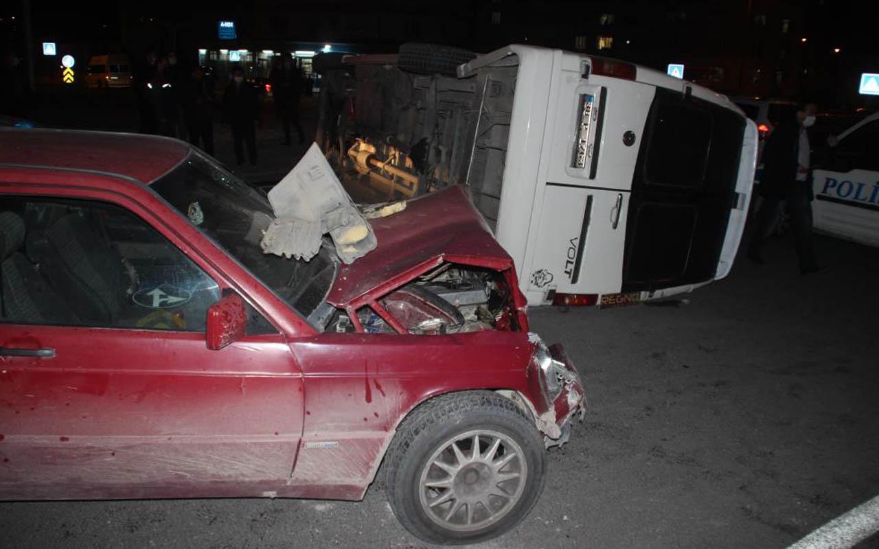 Kayseri'de feci kaza! Otomobil işçi servisiyle çarpıştı: Yaralılar var
