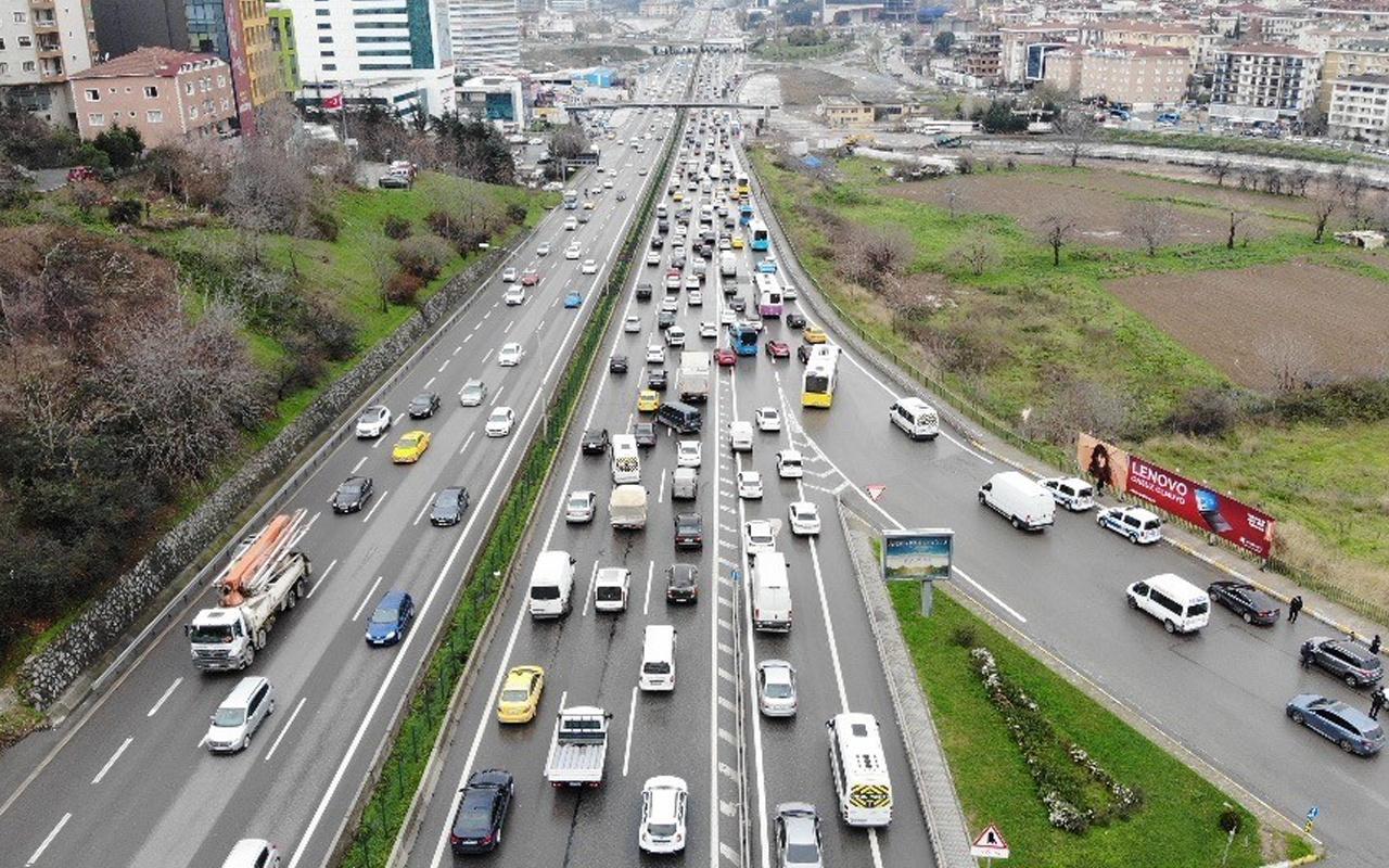 İstanbul'da yağmur ve kar sonrası trafik kilitlendi! İşte son durum