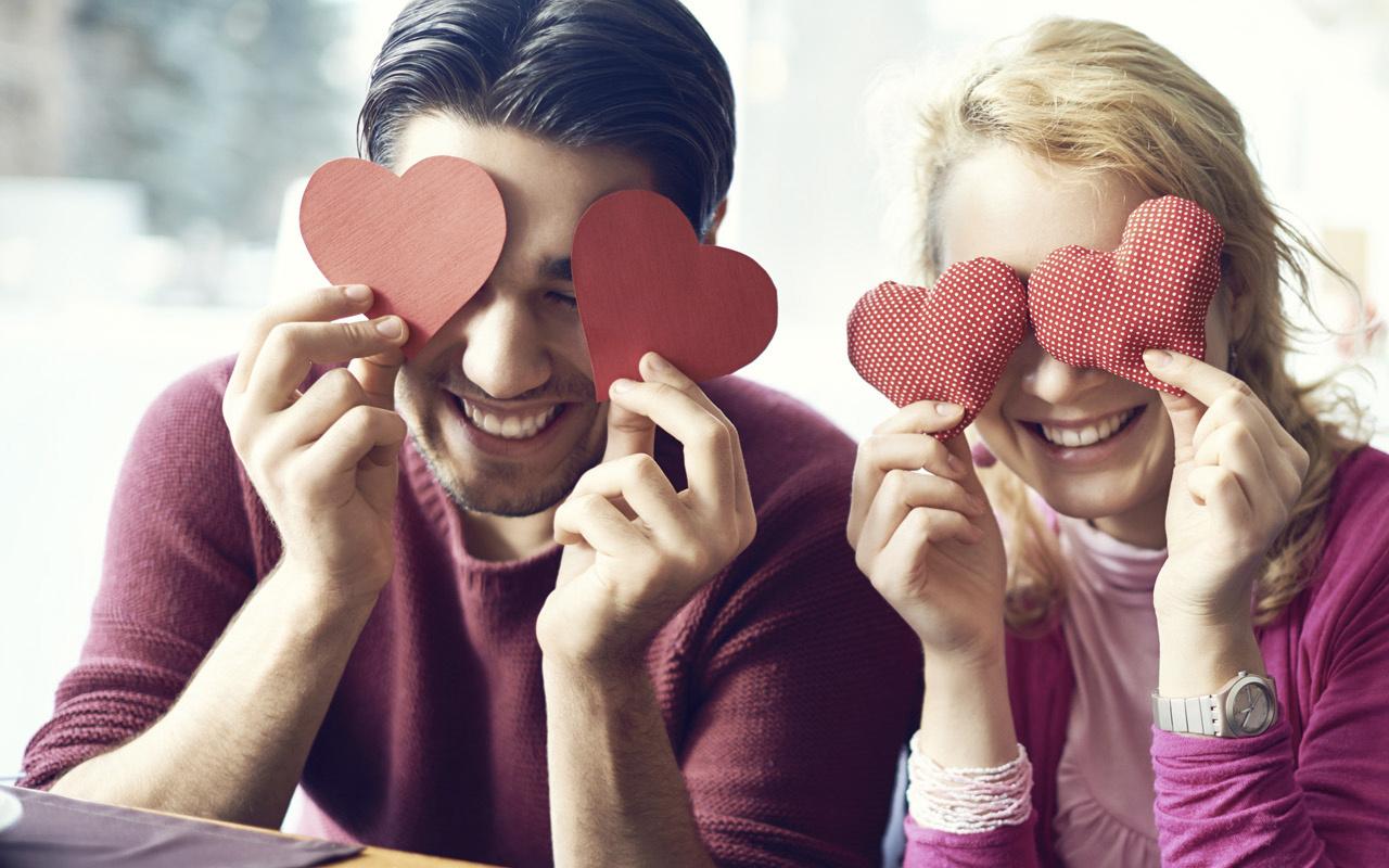 Sevgililer Günü mesajları 2021 kısa ve öz 14 Şubat resimli sözleri