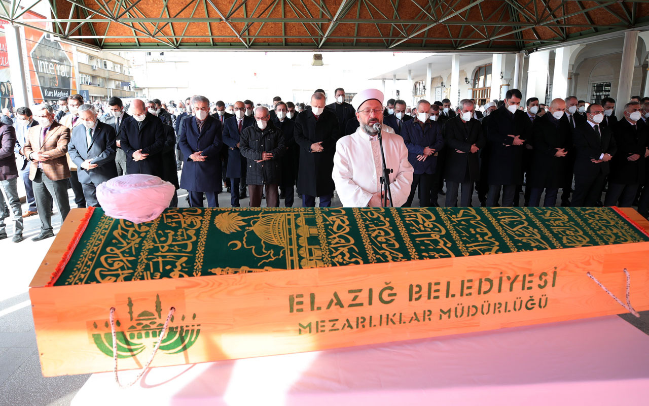 Cumhurbaşkanı Erdoğan kanaat önderi hafız Abdullah Nazırlı'nın cenaze namazına katıldı