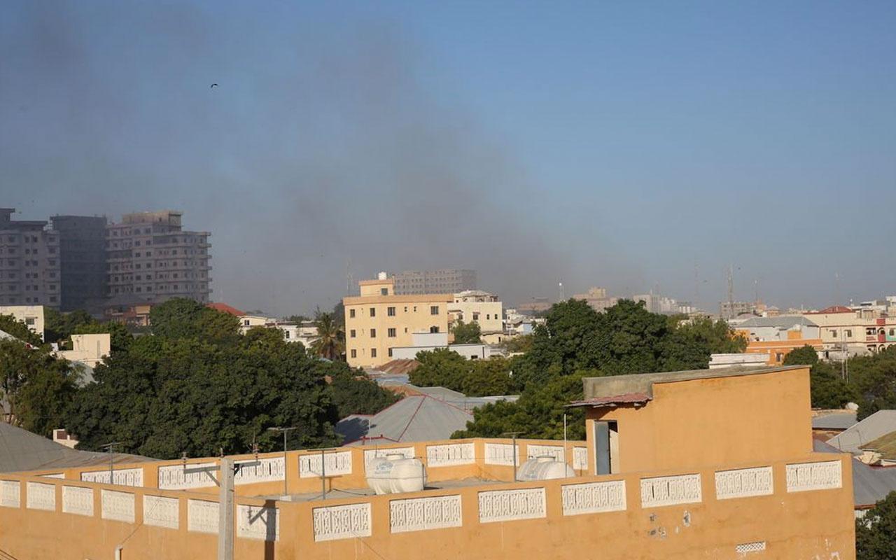 Somali'nin başkenti Mogadişu'da bomba yüklü araçla saldırı El Kaide şüphesi