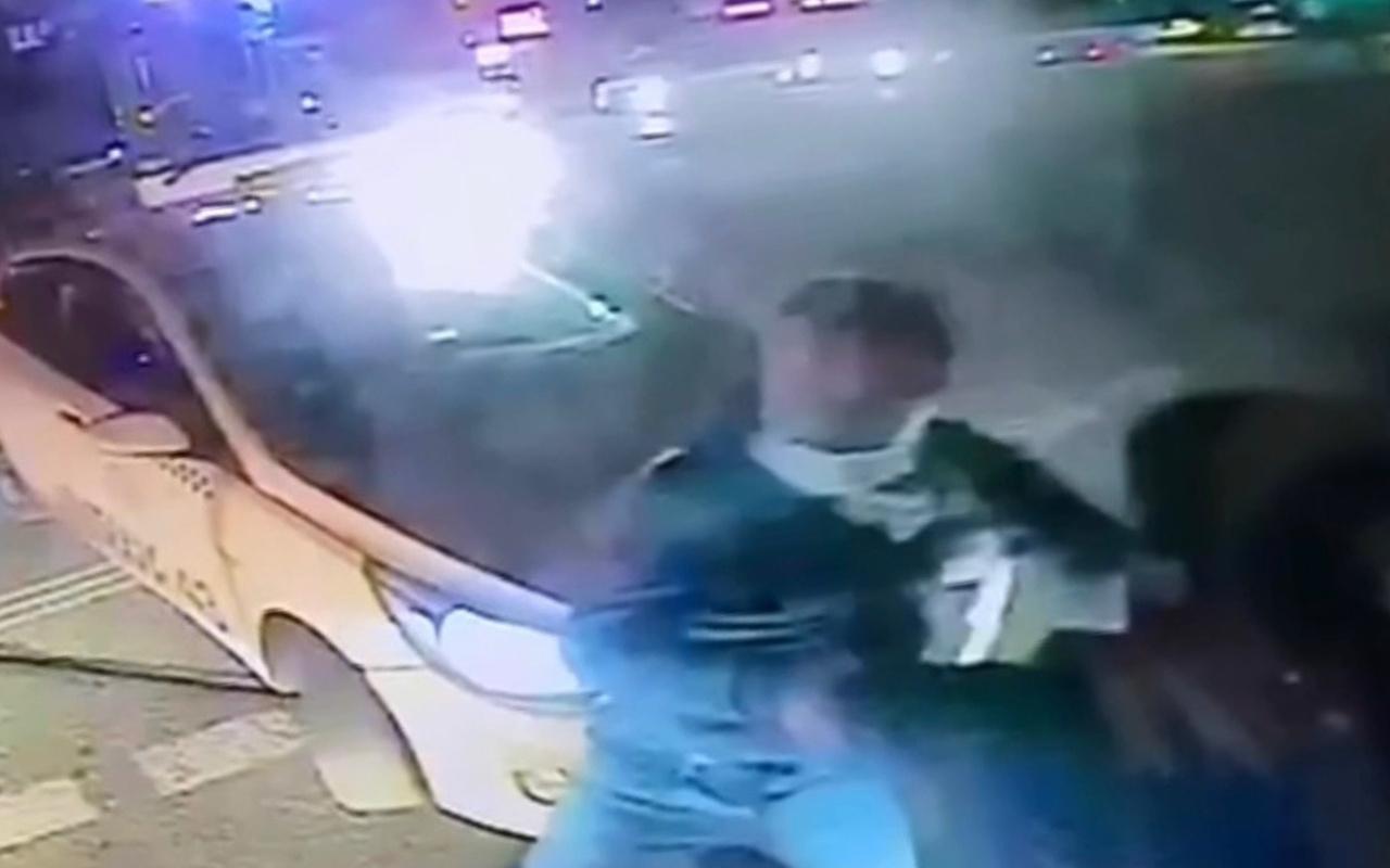 İstanbul Sancaktepe'de otobüs şoförüne yaşatılan dehşet kamerada