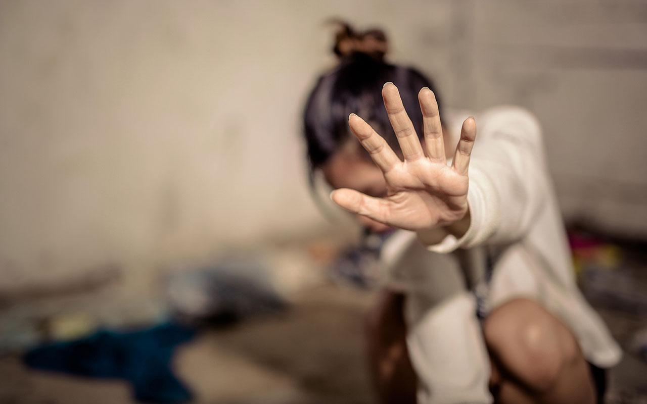 Cinsel saldırı ile suçlanan polis memuru, görevden uzaklaştırıldı