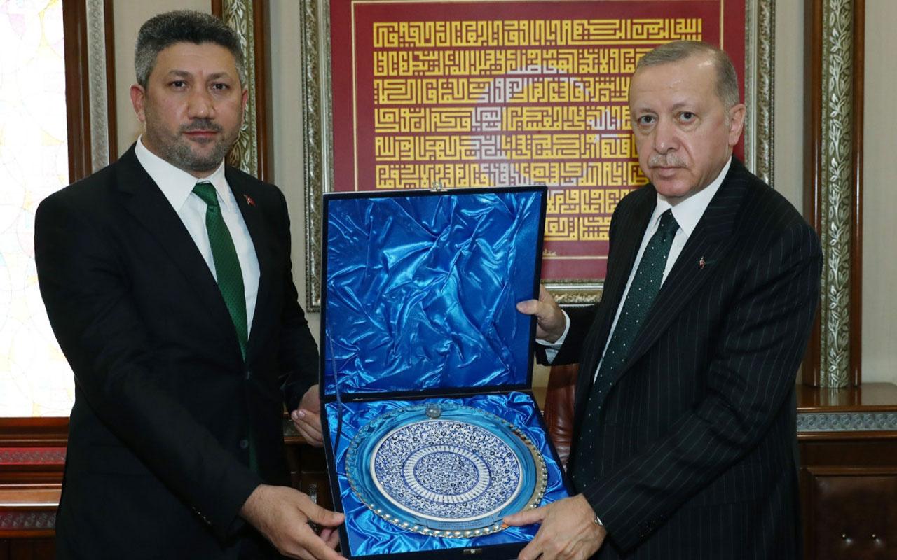 Cumhurbaşkanı Erdoğan'ın ziyaret etmişti! Güneysu Belediye Başkanı Özer karantinada