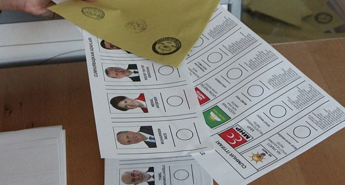 MetroPOLL anketi kulisleri hareketlendirdi! 'Kararsızlar' seçimin kaderini belirleyecek