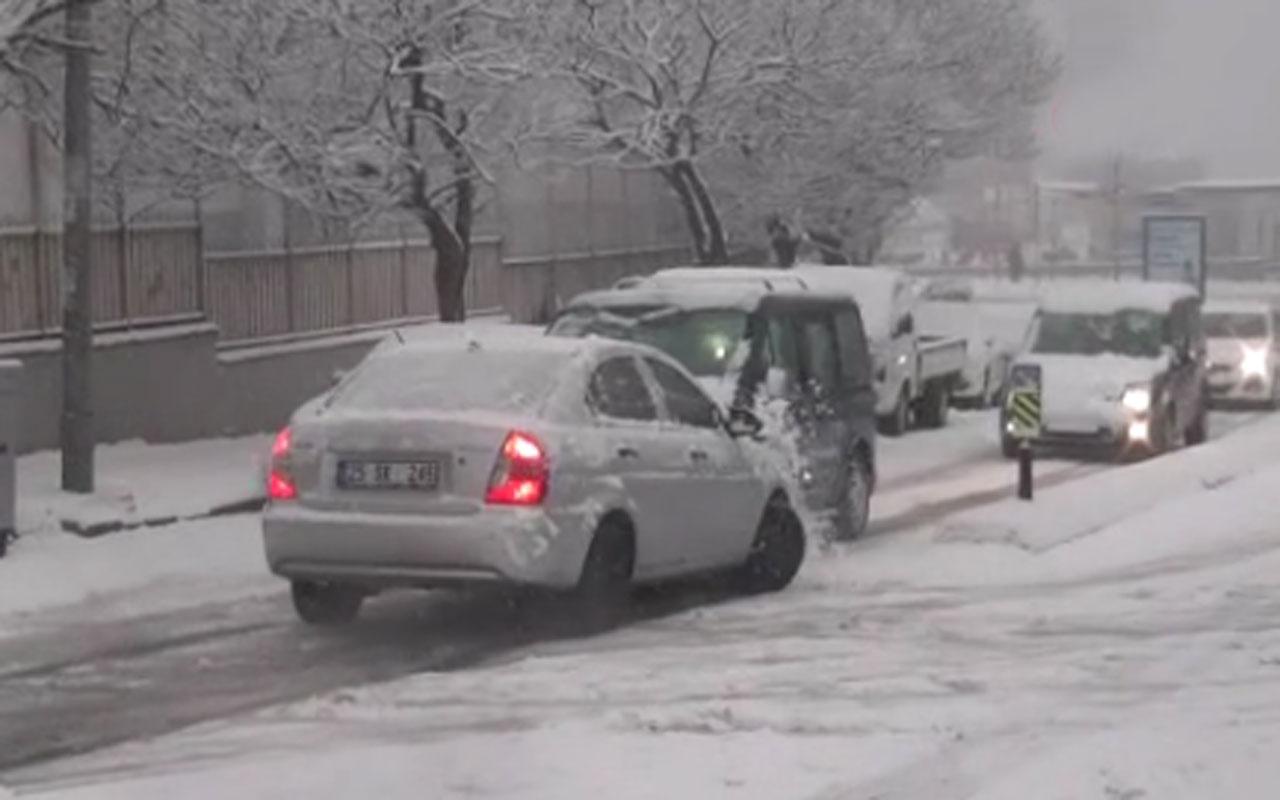 Kağıthane'de kar kazası kamerada