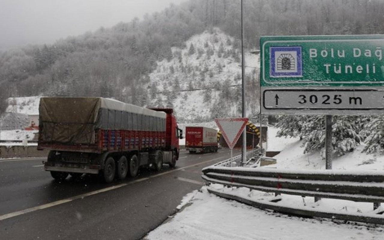 Bolu'da kar yağışı etkisini artırıyor