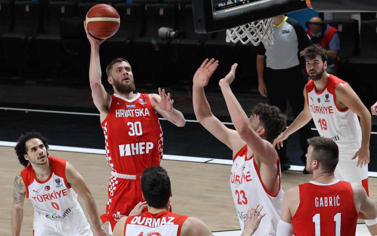 A Milli Erkek Basketbol Takımı FIBA 2022 Avrupa Şampiyonası elemelerini galibiyetle kapattı
