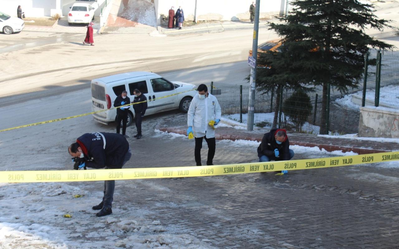 Ankara'da bir kişi tartıştığı sevgilisini sokak ortasında öldürdü