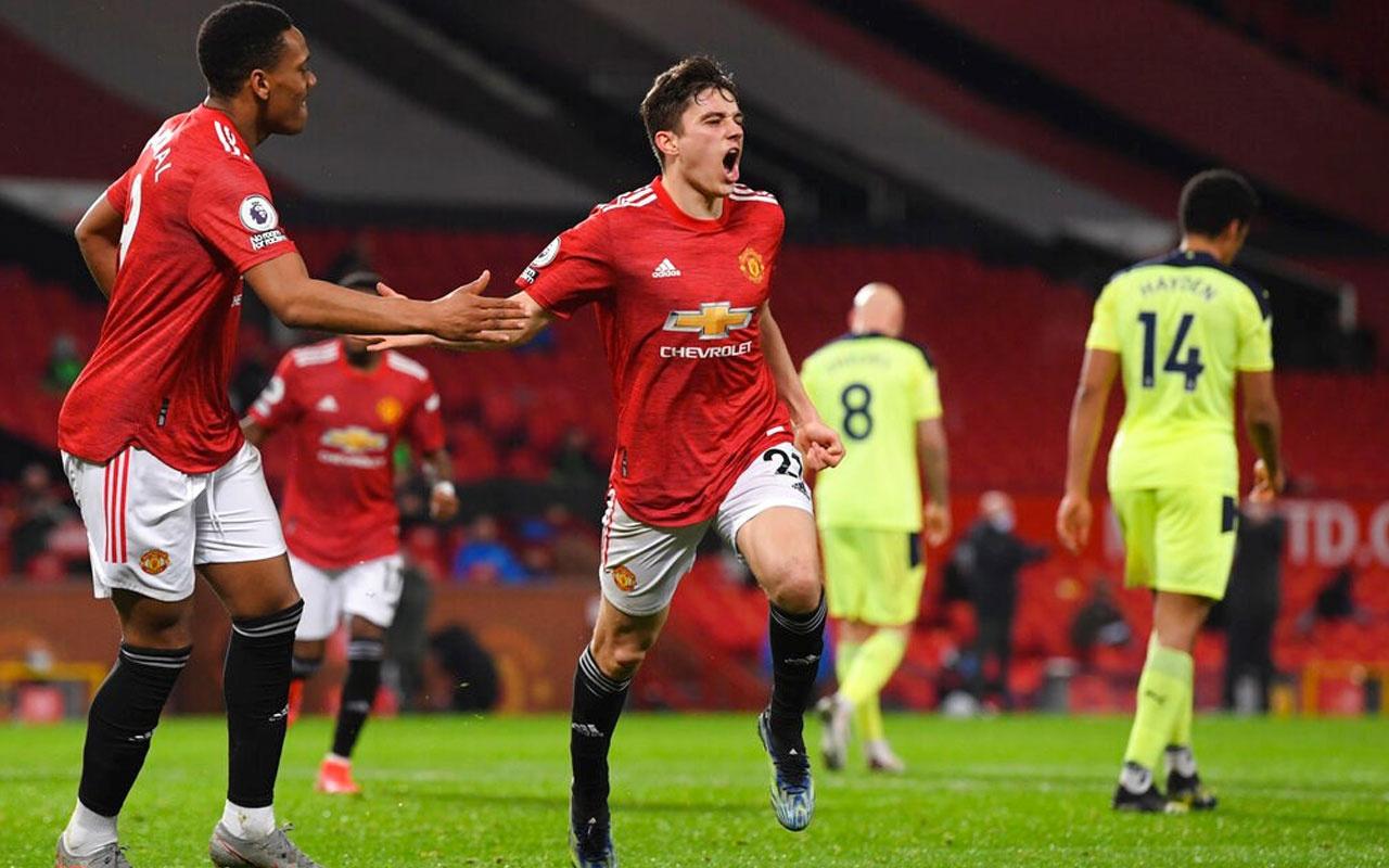 Manchester United, Newcastle United'ı rahat geçti