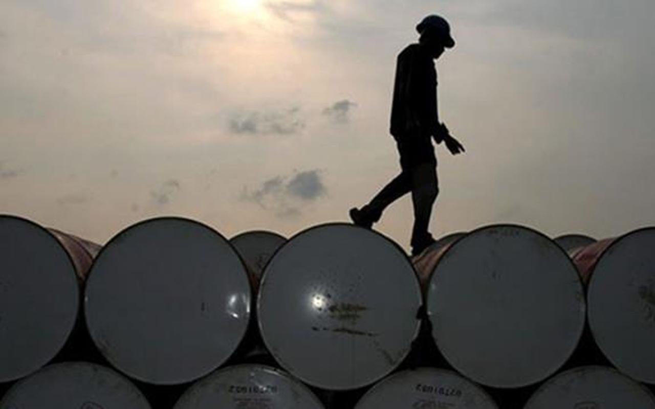Irak'tan flaş hamle! Ön ödemeli petrol satış anlaşmasını askıya aldı