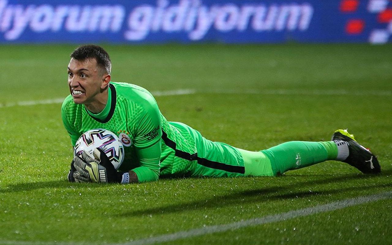 Muslera Galatasaray'da 3.kez dalya diyecek