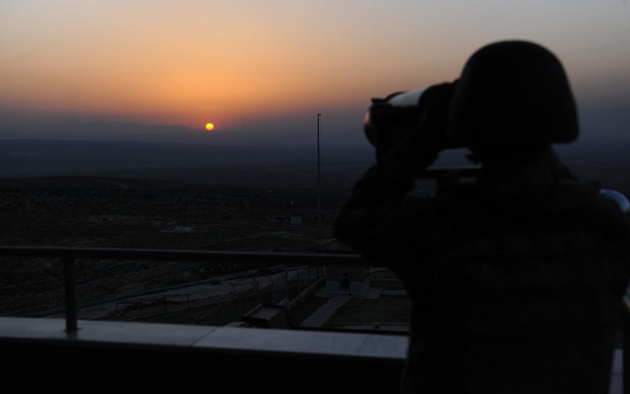 Hatay'da yurda kaçak girmeye çalışan ikisi HTŞ mensubu 9 kişi yakalandı