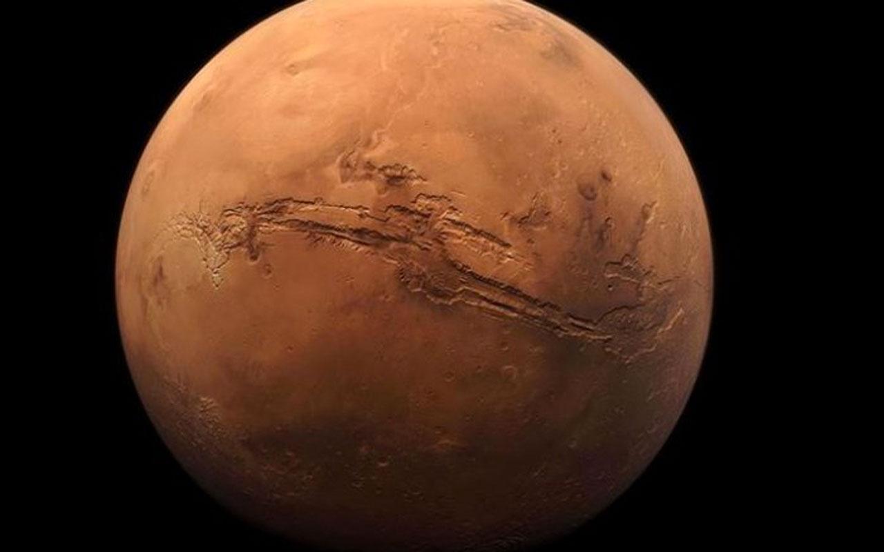 Çin'in keşif aracı 'Tienvın-1' Mars'ın etrafında seyrettiği yörüngesini düzeltti